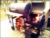 Ψησταρια char griller texas style με ροδες κ συρταρι στα πλαγια  πολυ καλης ποιοτητας ψηνει και με ζεστο αερα εαν βαλουμε φωτια μονο στο ενα μικρο κουτι καρβουνα κ κλεισουμε το καπακι.εξυπνη ψησταρια εξυπνο ψησιμο!.